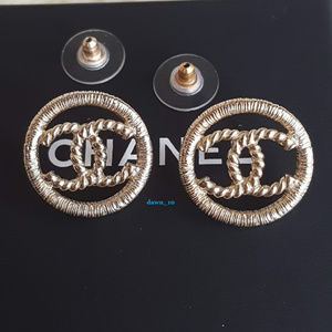Chanel Twist CC Circle Earrings, Gold